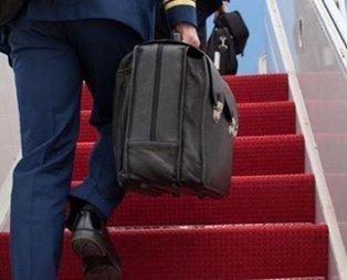 Putin'in yanından ayırmadığı çantanın sırrı çözüldü!