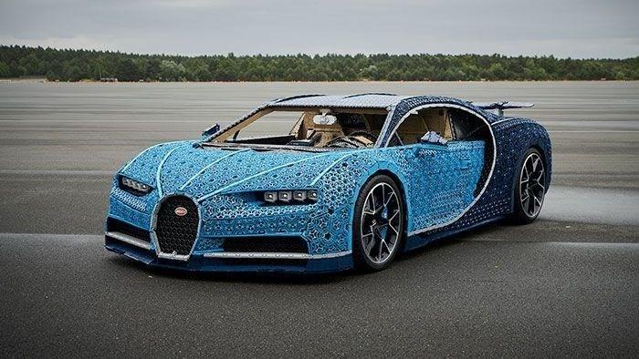 LEGO, 1 milyondan fazla lego Technic parçasını kullanarak Bugatti Chiron tasarladı