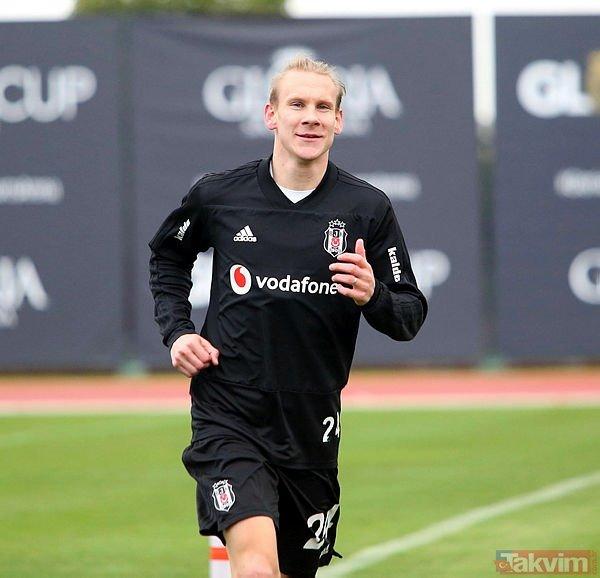 Beşiktaş'ta yıldız futbolcuya şok! Ya indirim yap ya git