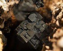 Perovskite minerali veri transferini 1.000 kat hızlandırıyor