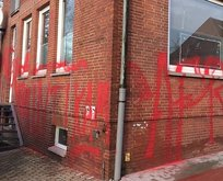Cami karşıtı ırkçılar