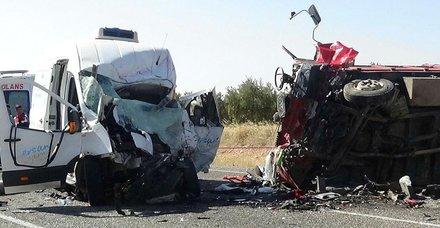 Gaziantep'te trafik kazası: 8 ölü, 18 yaralı