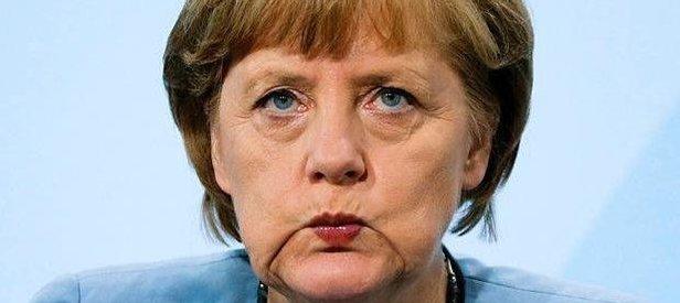 Merkelin zoruna gitmiş!