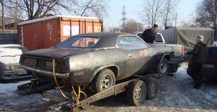 Enkaz diye kaderine terk edilmişti! 1970 model arabanın son hali olay