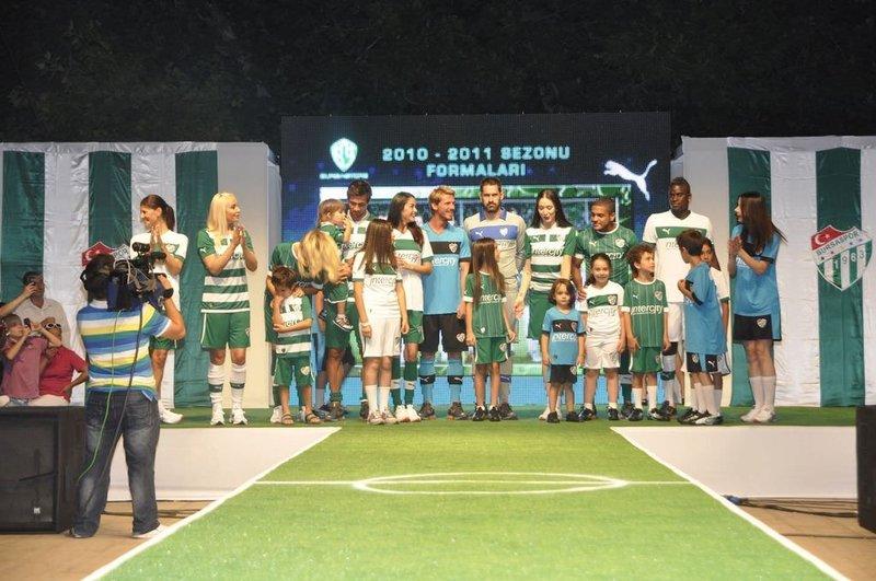 İşte Bursasporun yeni sezon formaları