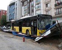 İETT otobüsü metro inşaatına girdi