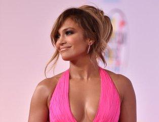 Jennifer Lopezin yaşını elleri ele verdi
