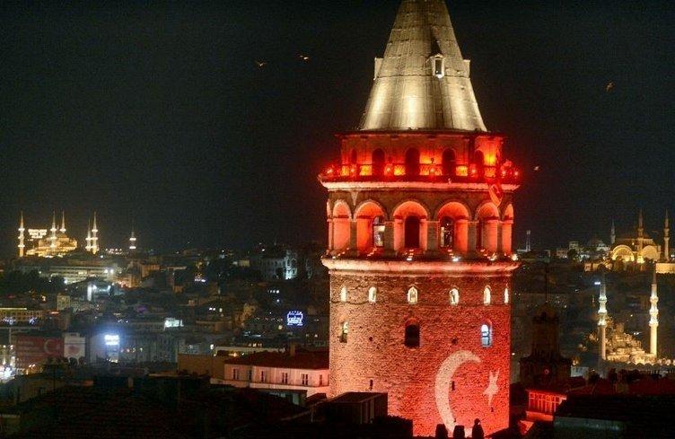 Galata Kulesi Demokrasi Nöbeti'nde
