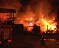 Ataşehir'de iş yeri yangını
