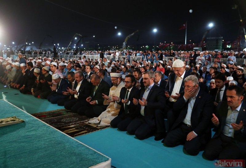 Başkan Erdoğan Yenikapı'da düzenlenen 'Enderun Teravihi'ne katıldı