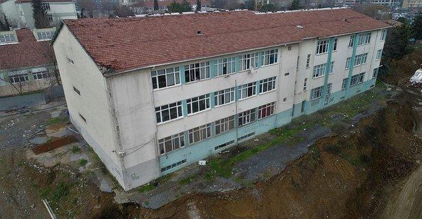 Istanbuldaki Tehlikeli Okul Binasında Eğitim Durdu Takvim 05