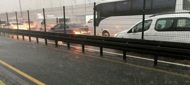 İstanbulda beklenen yağış başladı