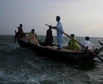 Pakistan'da tekne alabora oldu: 10 ölü