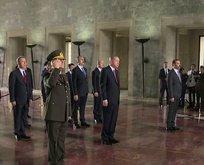 Yüksek Askeri Şura üyeleri Anıtkabir'i ziyaret etti