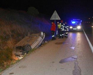 Kırıkkale'de otomobil su kanalına devrildi: 2 yaralı