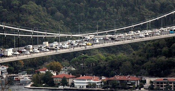 İntihar girişimi İstanbul'da o köprüyü kilitledi