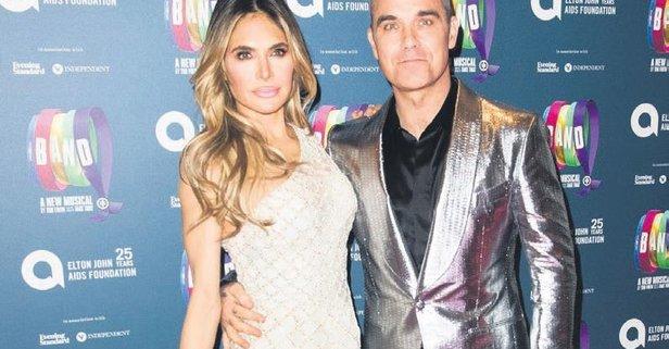 Robbie Williams'ın Türk eşi Ayda Field Türkçe'sini ilerletmek için ders almaya başladı