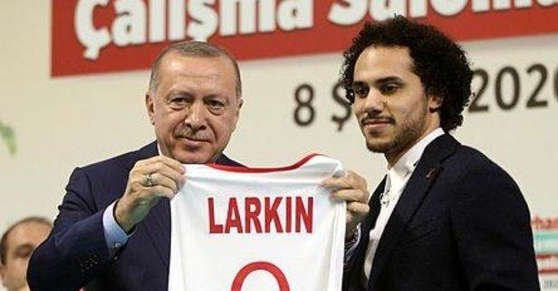 Larkin bizzat açıkladı: Türkçe ismim...