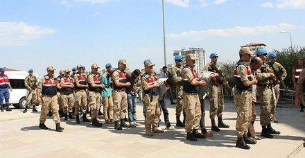 Son dakika: MİTin Türkiyeye getirdiği 9 terörist tutuklandı