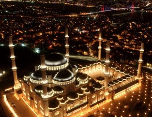 Vatandaşlar Berat Kandili'nde camilere akın etti