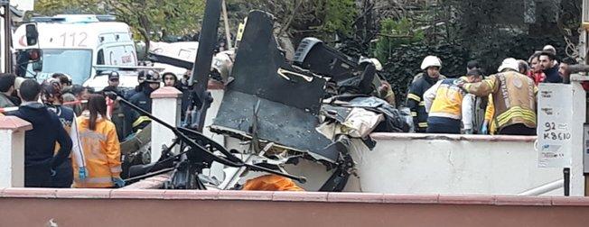 İstanbul Sancaktepe'de düşen askeri helikopterden ilk görüntüler