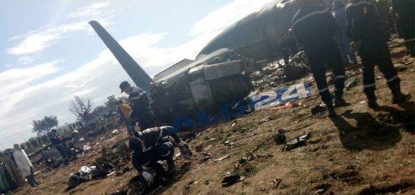 Cezayir'in kuzeyindeki Blida kentinde bir askeri nakliye uçağının düşmesi sonucu 257 kişi hayatını kaybetti
