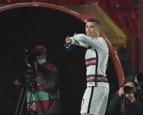 Ronaldo yere fırlattı! Rekor fiyata satıldı