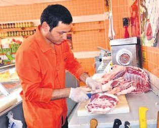 Markete kasaba ithal kuzu eti
