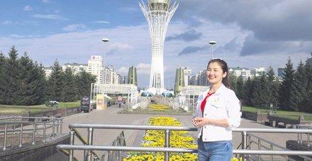 Kazak hostesten Türkçe hizmet