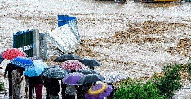 Nepal'de doğal afet! 30 kişi öldü