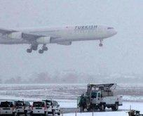 Hava ulaşımına kar engeli! Bazı seferler iptal
