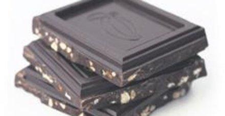 Ağızları tatlandıran bitter çikolata öksürüğe iyi geliyor! İşte çikolatanın faydaları