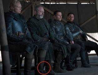 Game of Thrones 8. sezon 6.final bölümündeki su şişesi olay yarattı!