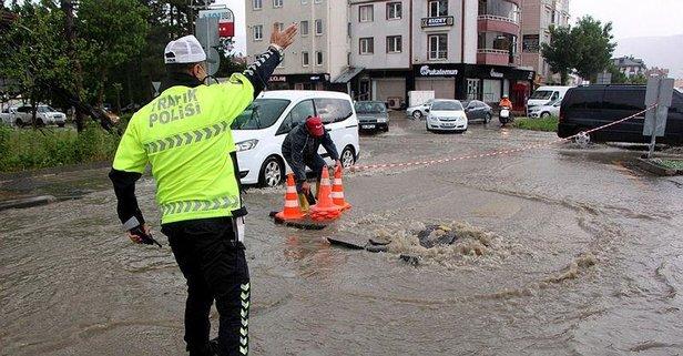 Bolu'da sağanak yağış! Vatandaşlar zor anlar yaşadı