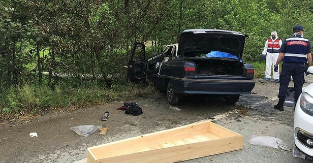 Korkunç kaza! Alev alan araçta yanarak can verdiler