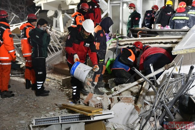 Depremin vurduğu Elazığ ve Malatya'da yıkımın boyutu gün ağarınca ortaya çıktı! İşte son durum