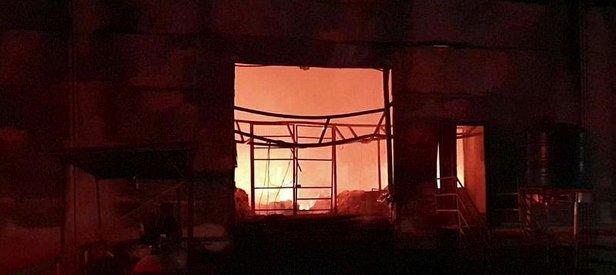 İzmir'de çıkan yangın sonrası iki fabrika kullanılamaz hale geldi