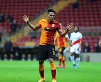 Falcao Galatasaray'da kalacak mı?