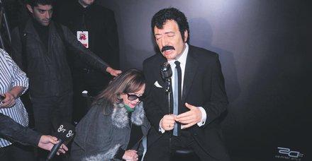Müslüm Gürses'in eşi Muhterem Nur ile yapımcı Mustafa Uslu birbirine düşman kesildi!