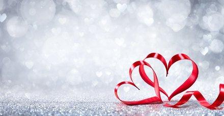 Sevgililer Günü mesajları! 2019 En yeni Sevgilier Günü için erkek ve kadın sevgiliye anlamlı sözler