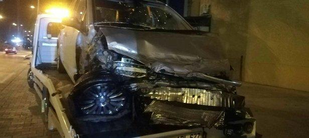 İzmir'de feci kaza! 1'i ağır 5 yaralı