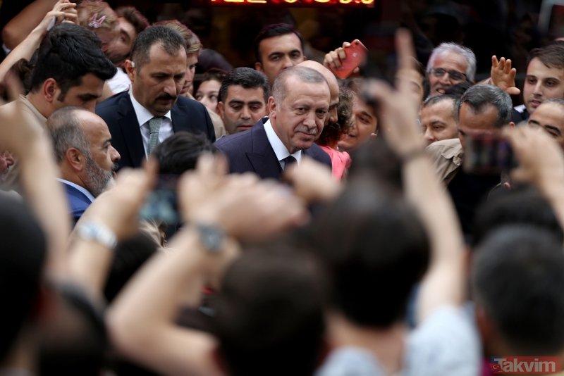 Başkan Erdoğan'a Çengelköy'de vatandaşlardan yoğun ilgi