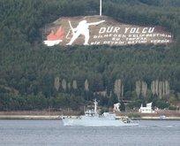 O ülkeye ait savaş gemisi Çanakkale Boğazı'dan geçti