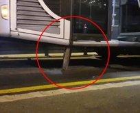Rögar kapağı metrobüse saplandı