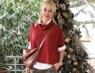 Pınar Altuğ 1994 yılına ait fotoğrafıyla selfie yaptı sosyal medya yıkıldı! İşte estetiksiz Pınar...