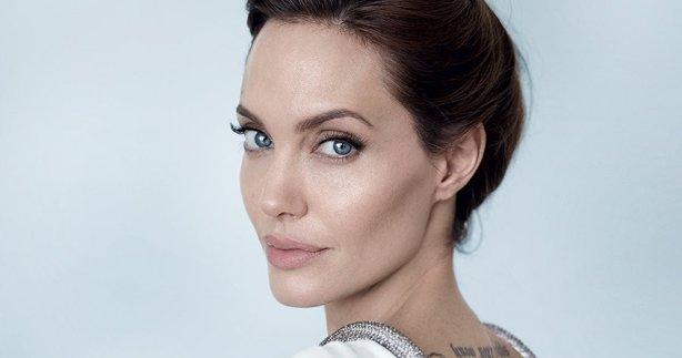 Angelina Jolieden ırkçılığa karşı mücadeleye 200 bin dolarlık bağış