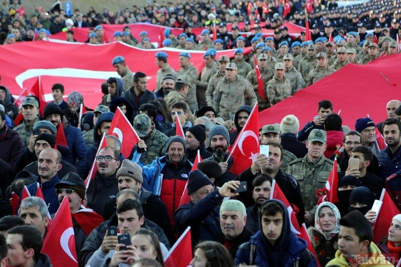 10 bin kişi Aziziye Tabyalarına yürüdü