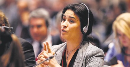 Fransız Parlamenter Sonia Krimi yine rezil oldu