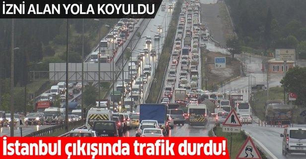 İstanbul'un çıkışında 65 yaş üstü yoğunluğu!
