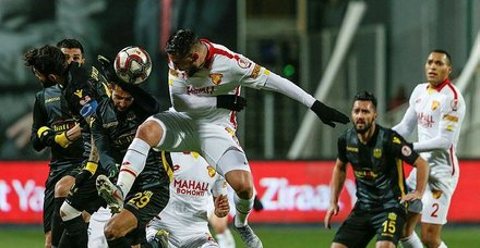 Evkur Yeni Malatyaspor yarı finalde   Göztepe'yi penaltılarda eledi!